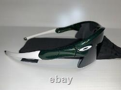 Oakley Radar Sunglasses Metallic Green/White/Black Polarized Range Straight Stem
