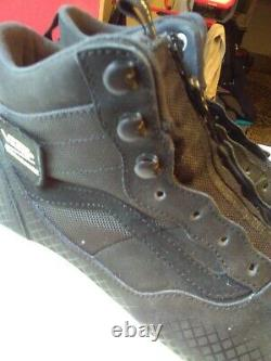 Vans Ultra Range Hi MTE Boot Black/Marshmallow size Mens 10 slightly used