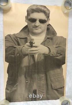 Vtg Gamme De Tir Papier Cible Affiche 80s Homme Lunettes De Soleil Gun Homme Grotte